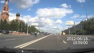 Video: Văn hóa giao thông của người Nga khiến cả thế giới ngỡ ngàng