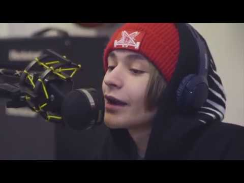 Bars and Melody but its only Leondre Singing