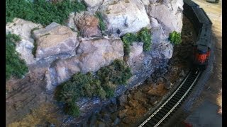 Model Railroad Scenery: Making Realistic Rock Scenery Using The Right Colors!