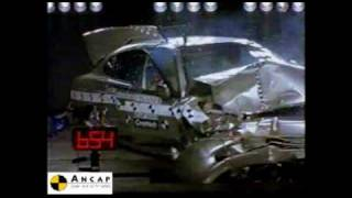 Daewoo Leganza 1997 ANCAP Crash Test (2 stars)