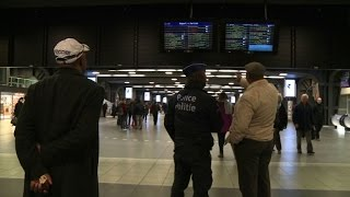 Terror alert shuts Brussels metro as jihadist on the run