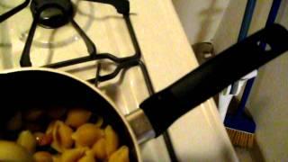 Italian Shell Macaroni And Peas.