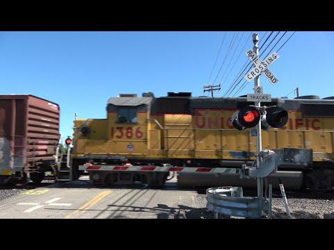 UP 1401 West Sacramento Port Local East, 20th St. Railroad Crossing, Sacramento CA