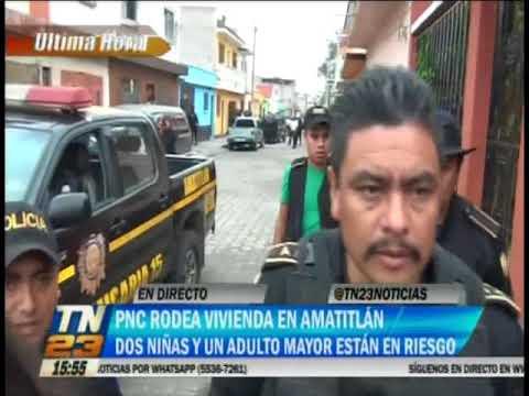 Agentes de la PNC han rodeado una vivienda en Amatitlán
