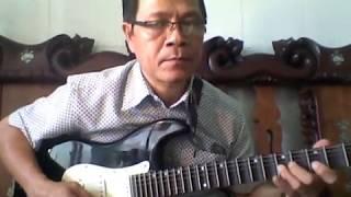 Guitar phí lõm bài Câu chuyện đầu năm