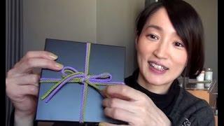 3/2発売のアルバム「頂き物」の初回盤は、重厚感あるBOXに2本の紐がひと...