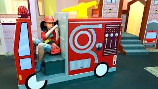 एली नाटक नाटक पुलिसकर्मी