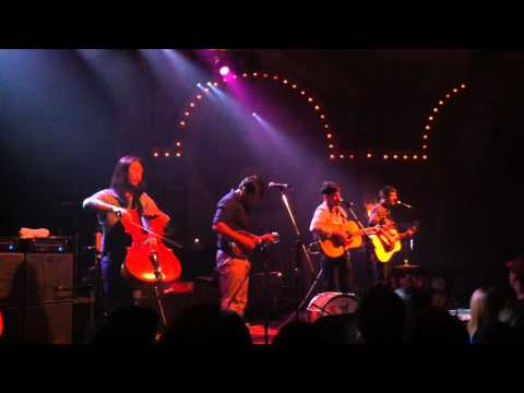 Avett Brothers - Portland Town (live in...