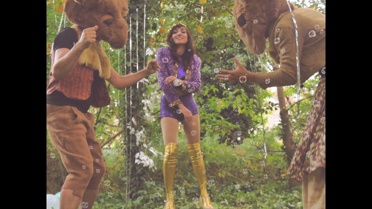 DJANAN TURAN  - DANCING FEET (Official Music Video)