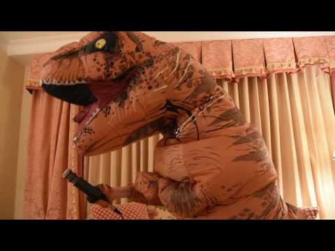 I Know Dino Celebrates 100 Episodes at SVP 2016