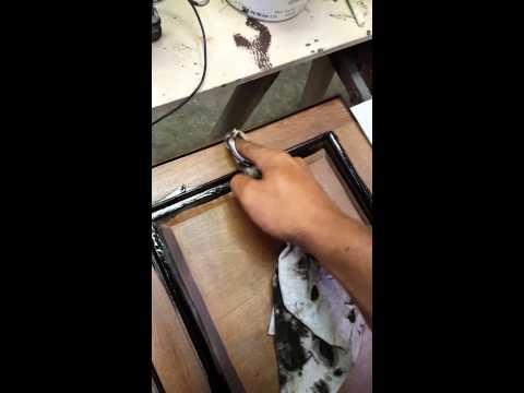 How to glaze cabinet doors