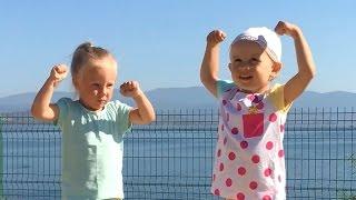 Детская зарядка! Упражнения для Детей и Родителей. Развивающее и обучающее видео для детей.(Детская зарядка! Упражнения для Детей и Родителей. Развивающее и обучающее видео для детей. Всем доброе..., 2016-12-12T16:27:04.000Z)