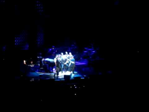 Michael Buble - Stardust - Madison Square Garden (With Naturally 7)