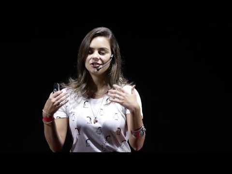 A Revolução da Empatia | Tati Fukamati | TEDxPedradoPenedo