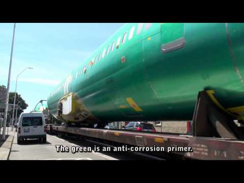 Renton Rocket street running with 737 fuselages, Renton, WA, 7-28-2015