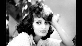 Mambo italiano Sophia Loren
