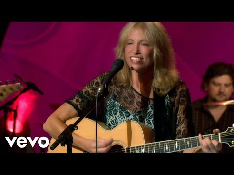 Carly Simon  Youre So Vain  On The Queen Mary 2