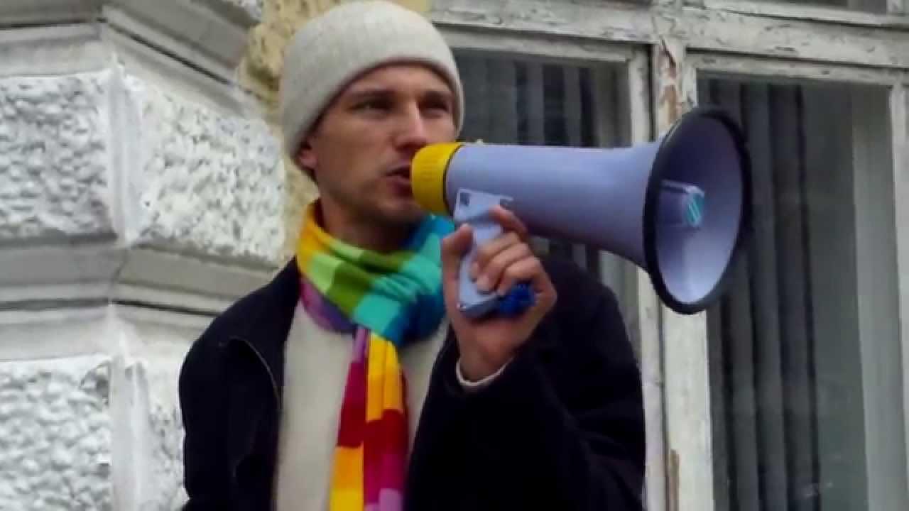 Protest laic la primărie ignorat de presă