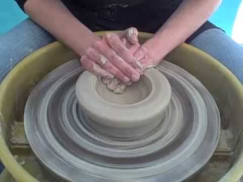 Ceramics for Beginners: Wheel Throwing - Throwing a Bowl with Emily Reason