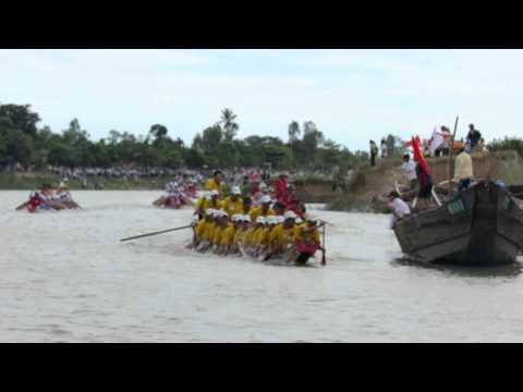 [30/08/2012]Clip 3 - Lễ hội bơi đua thuyền truyền thống trên sông Kiến Giang