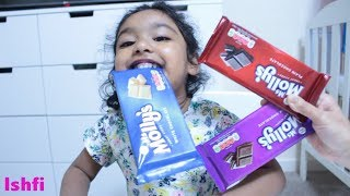 Funny Toddler Ishfi is having Candy with Aunty