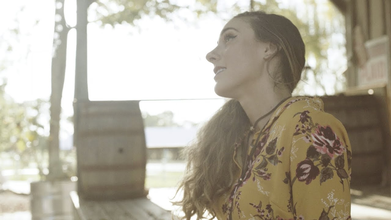 Sarah Martin - Old Country Love Song - Official Music Video