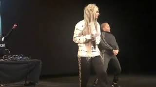 Short video of Zhavia performing 100 Ways