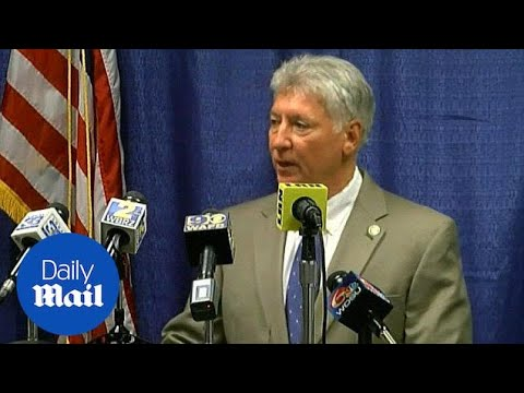 Baton Rouge DA says he'll recuse himself in Alton Sterling case - Daily Mail