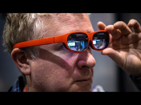 hands-on:-nreal-light-augmented-reality-glasses!