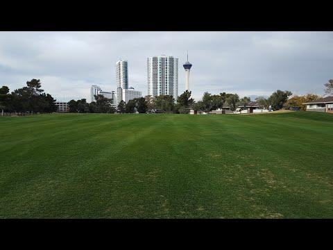 A Drive Through the Las Vegas Country Club Estates
