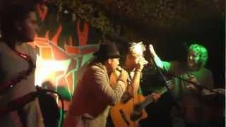 Mellow Mark feat. The Beach Bums: Big Up (freestyle version)  - live im Esperanza