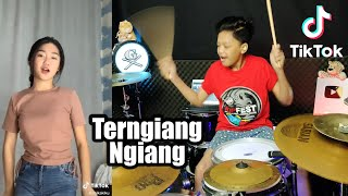 Cewek Viral Joget Tik Tok Terngiang - Ngiang (DJ Remix) Cover By Gilang Dafa