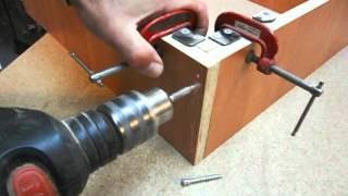 Сборка мебели с самодельной струбциной Часть 1. Homemade right angle clamp. Part 1.(, 2012-06-03T22:41:44.000Z)