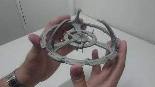 Star Trek en Esperanto – elpakigo de miniaturo de Deep Space Nine