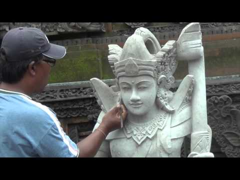 Bali: Renovation #4 Pura Desa Padang Tegal Ubud (beautiful new statues)
