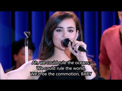Soy Luna - Sofia Carson chante Love Is The Name - Paroles/Letra