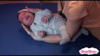 Handling - Pravilno dvigovanje in polaganje dojenčka med 0 - 3. meseca