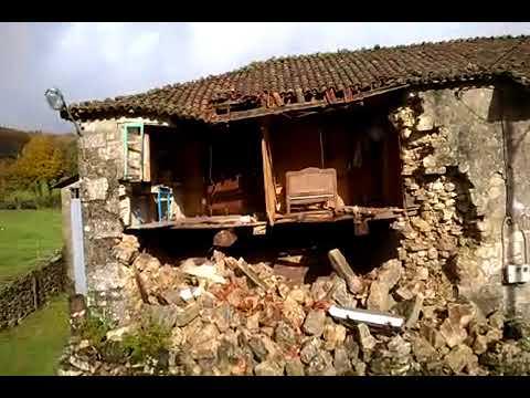 Así quedou a casa derrubada en Chantada