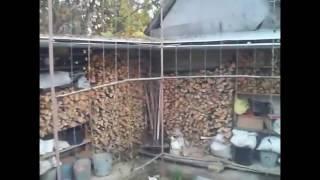 видео Хранение дров под забором, продолжение