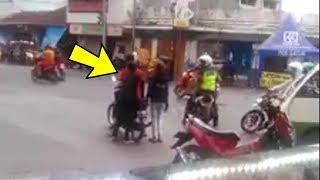 Tilang Pengendara Bonceng Tiga, Polisi Ini Malah Kena Tipu hingga Videonya Viral