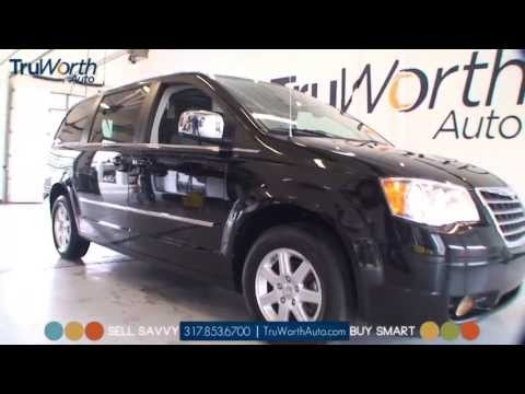 2010 Chrysler Town & Country - Clean CARFAX - UConnect System - TruWorth Auto