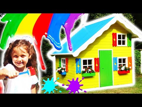 Petro & Nadia Pretend Play In Colorful Playhouse / Peindre une maison enfant / Chiki-Piki Kids Video