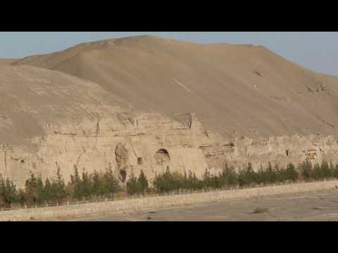 silk road,Dunhuang Mogao Caves, travel video by mickspatz.mp4