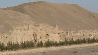 silk road,Dunhuang Mogao Caves, travel video by mickspatz.mp4