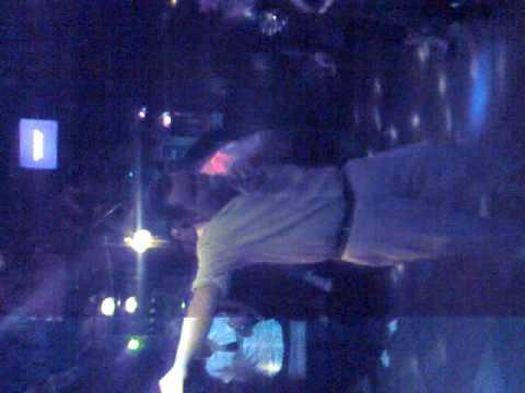 Gucci Papa alias Wissen Elvis Gschnall Presley @ Mausefalle Karaoke Night!!