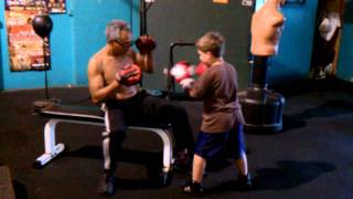 Video 6 years  old kid boxing amazing !!!! download MP3, MP4, WEBM, AVI, FLV Mei 2018