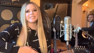 Avril Lavigne - Live at Home 2020: We Are Warriors/Head Above Water/Keep Holding On