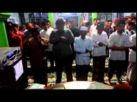 Jokowi Imam Shalat Salah Baca Al Fatihah