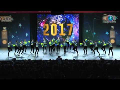 Star Performance Centre - Senior Large Pom [2017 Senior Large Pom Finals]