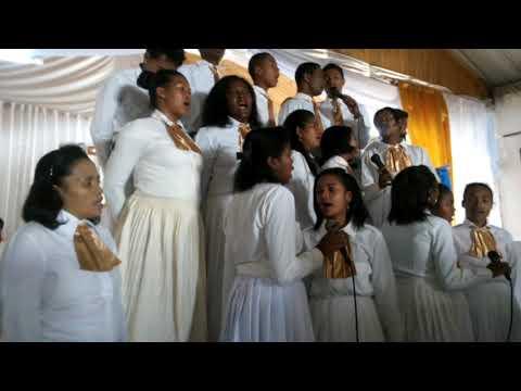 MIFONA RAY toriteny an-kira    Chorale FEHIFI Moramanga